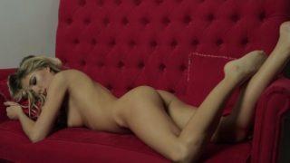 Balık etli kızla mükemmel anal sikiş