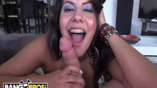 Kolombiyalı Büyük Memeli Esmer Kız Pornosu
