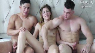 Gençlerin Üçlü Seks Pornosu